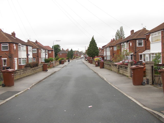 Waincliffe Terrace - looking towards Cardinal Road