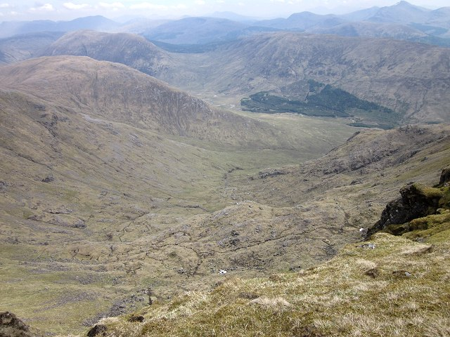 Looking down into Coire na Garbhlaich