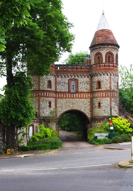 Former gatehouse to Horsley Towers, Ockham Road South, East Horsley