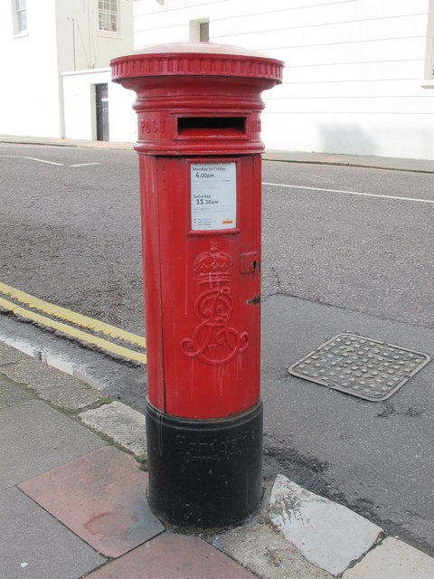 Edward VII postbox, Eastern Road /  Sussex Square, BN2
