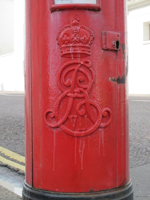 Edward VII postbox, Eastern Road / Sussex Square, BN2 - royal cipher