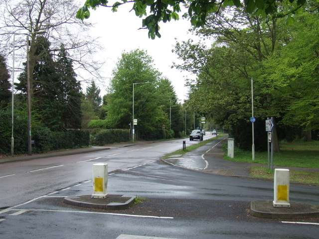 Road junction, Tring