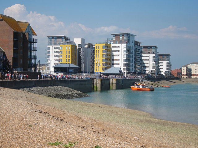 Sovereign Harbour locks at apartments