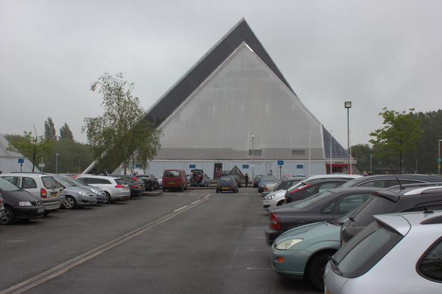 Oasis Swimming Pool Bedford Mark Anderson Cc By Sa 2 0 Geograph Britain And Ireland