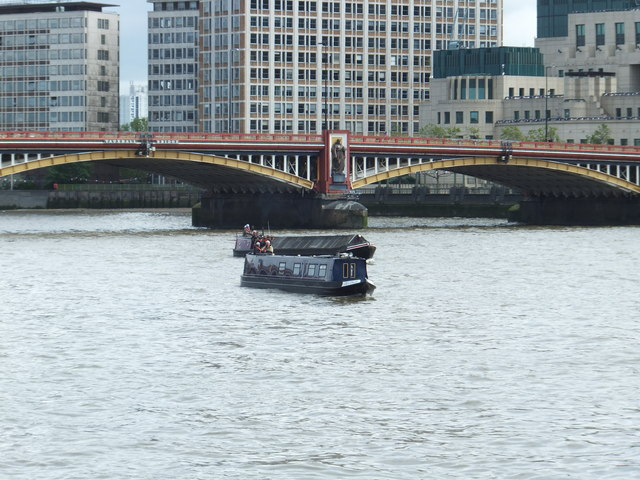 Mr David Narrow boat on the River Thames