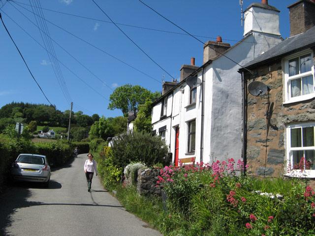 Cottages, Llanbedr-y-cennin