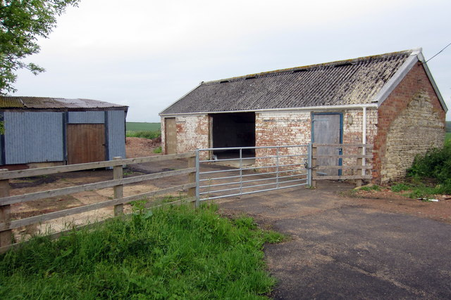 Farm buildings by Heath Farm
