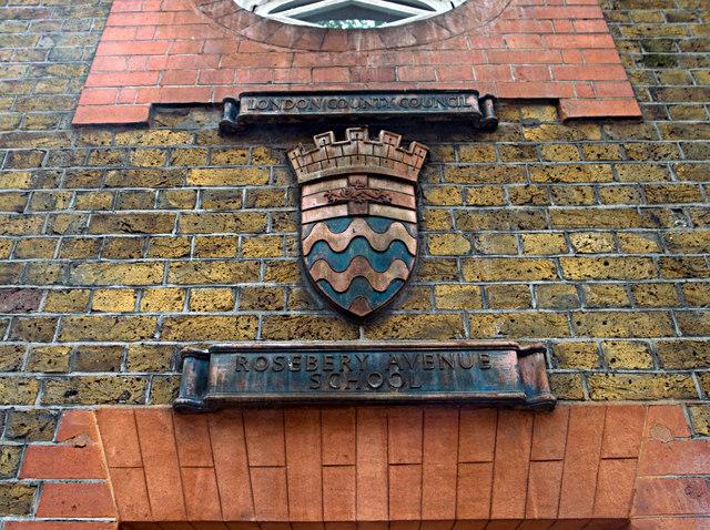 LCC plaque, Rosebery Avenue
