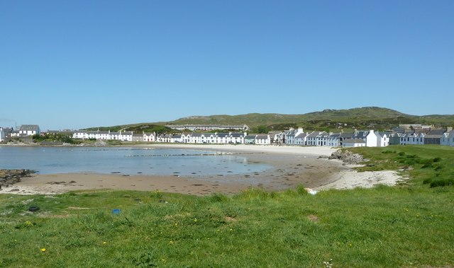 Port Ellen and Loch Leòdamais