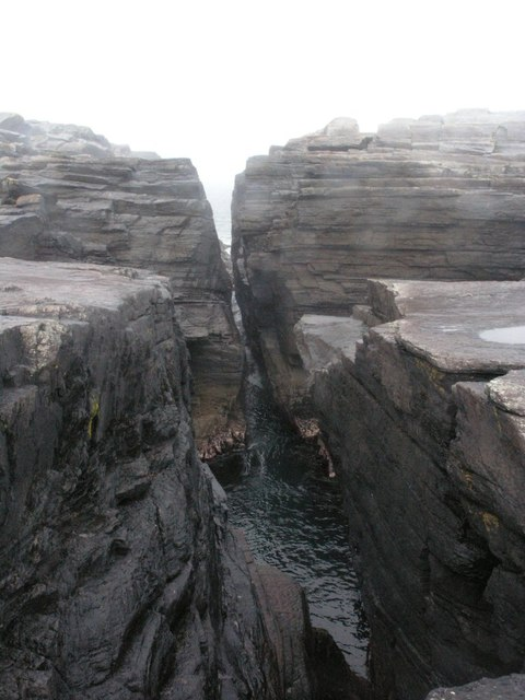 Rock fissure on Culloo Head