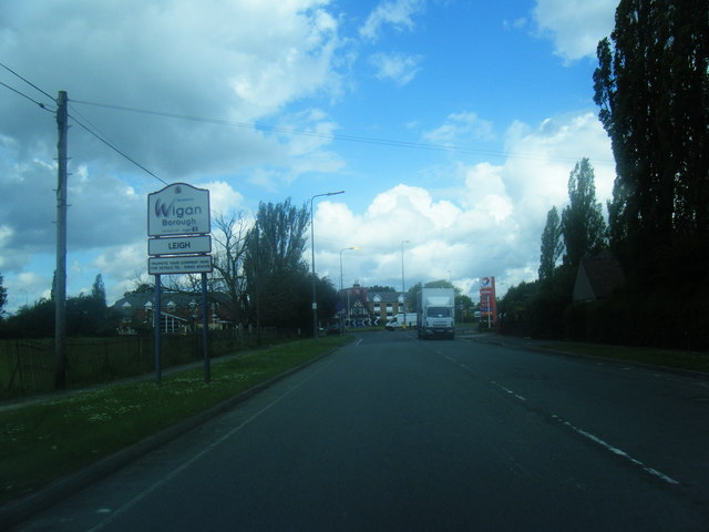 Warrington Road nears the A580 at the Leigh boundary