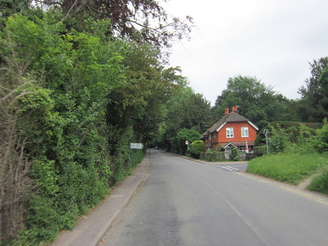 Old London Road at Zig Zag Road to Box Hill