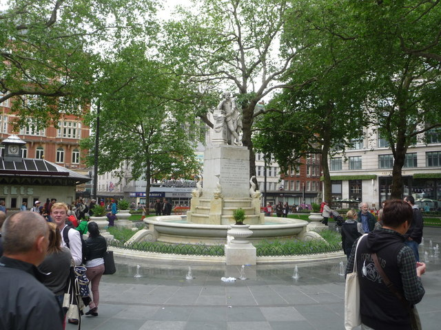London: Shakespeare statue in Leicester Square