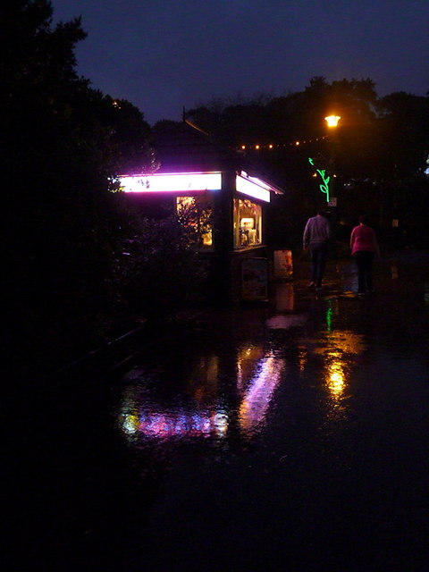 Bournemouth: a refreshment kiosk in a downpour