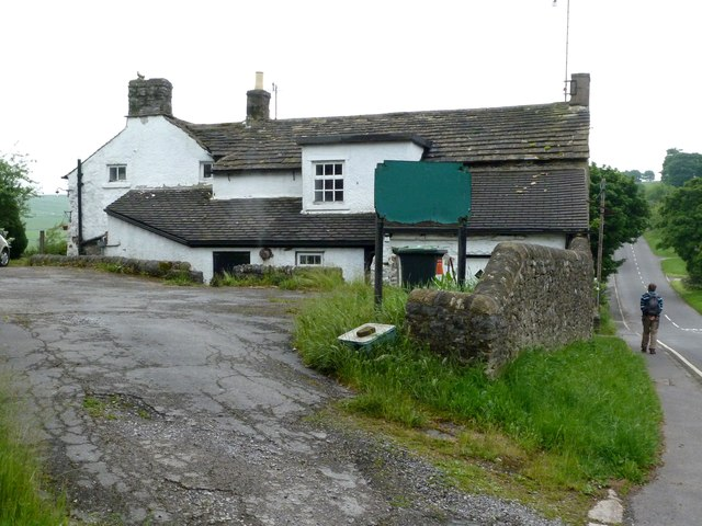 Former pub in Wardlow