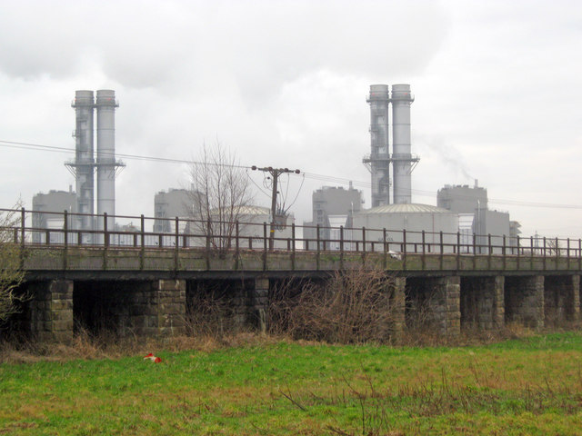Railway bridge and power station at Staythorpe