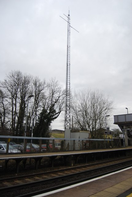 Telecommunications mast, Stonegate Station