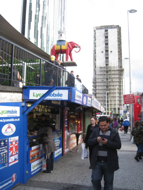 Lock-up shops and emblem, Elephant and Castle