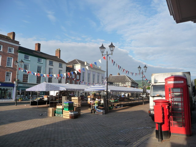 Ludlow market setting up early on a summer morning