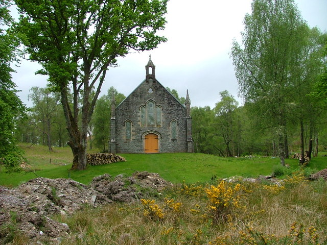 Disused church at Fasnakyle