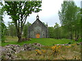 NH3129 : Disused church at Fasnakyle by Dave Fergusson