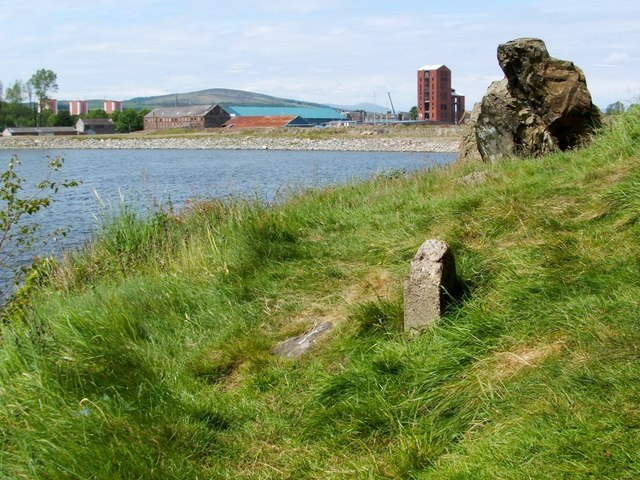 Dumbarton Rock: War Department boundary stone no. 2