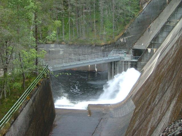 Outflow from Loch Beinn a' Mheadhoin dam