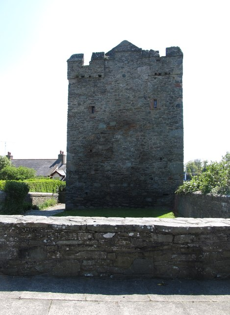 The rear of Strangford Castle from Quay Lane
