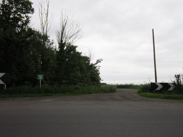 The entrance to Manor Farm off Lincoln Road