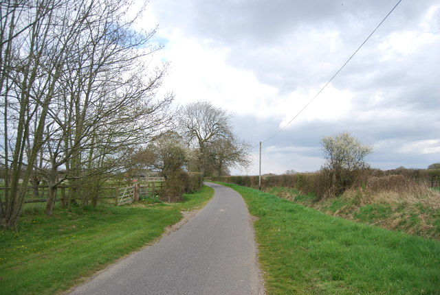 Lane north of Garlands