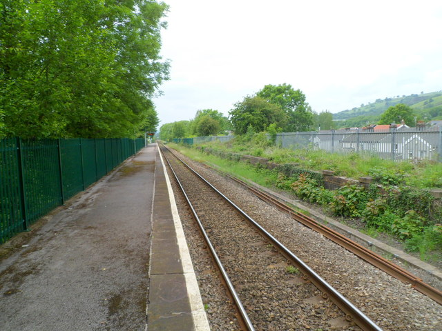 Long platform at  Troedyrhiw railway station