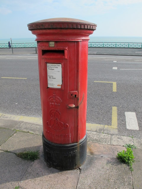 Edward VII postbox, Marine Parade / Eastern Terrace. BN2