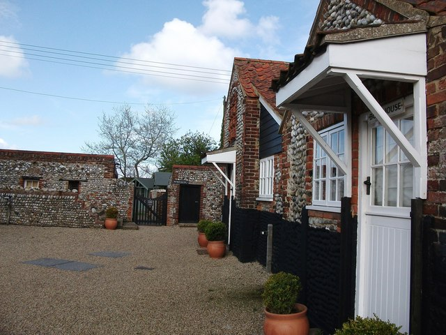 Holiday cottages at Cley Mill