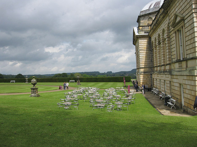Al fresco dining, Castle Howard