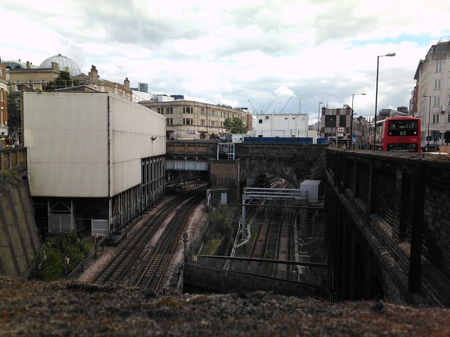 View of the railway lines into and out of Farringdon station from Ray Street bridge
