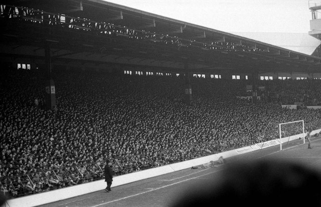 A full Kop End in 1983