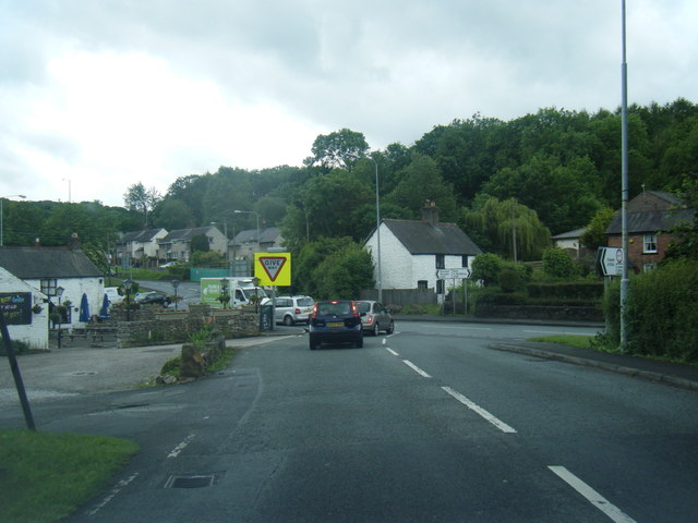 A5104/A541 junction at Pontblyddyn