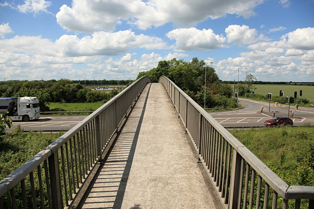 Bridge over the A10, Milton