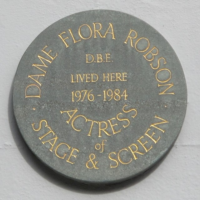 Plaque re Dame Flora Robson, Wykeham Terrace, BN1