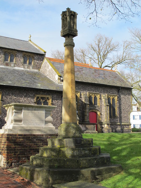 St. Nicholas' Church, Dyke Road, BN1 - cross in churchyard