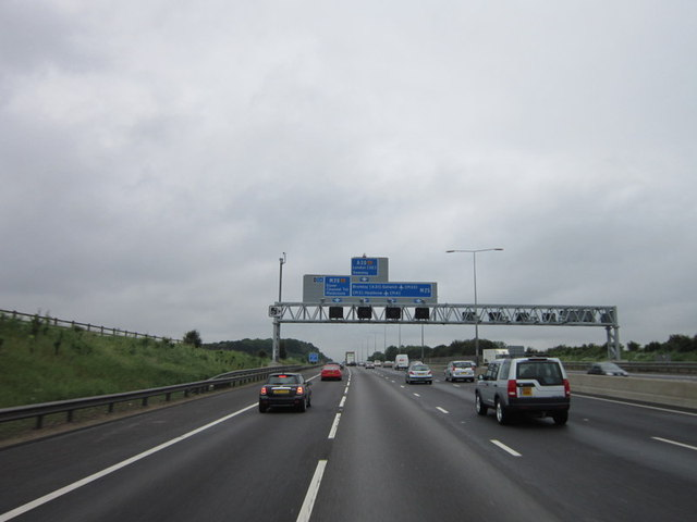 Approaching junction 3, M25
