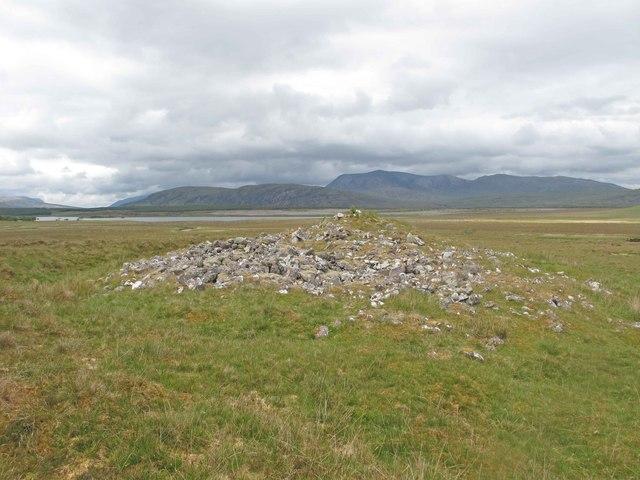 Cairn near Loch Urigill