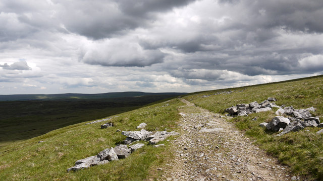 Pennine Way looking east