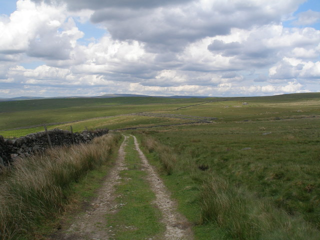 Forest Road above Eller Edge Nook