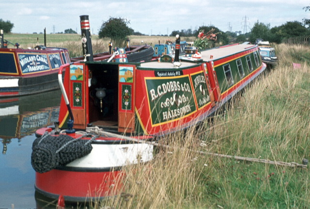 Narrowboat Jubilee, Hawkesbury