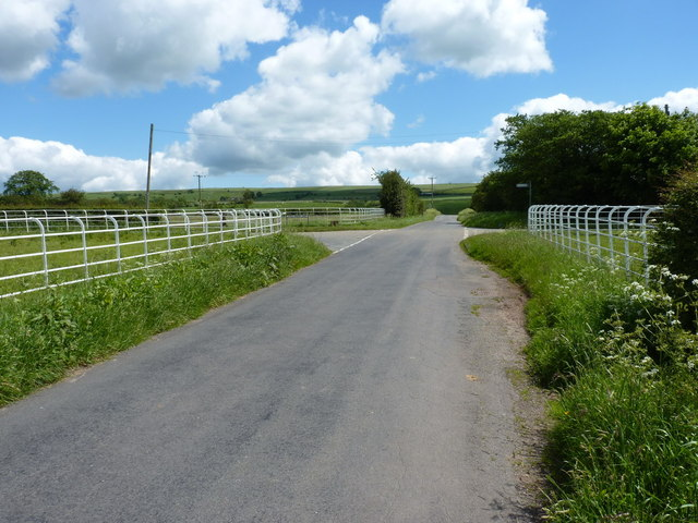 A crossroads above Bradnop