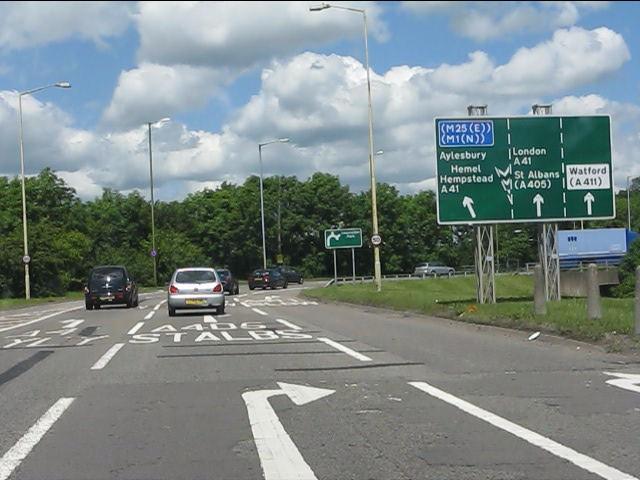 West side, Hunton bridge roundabout (A41)