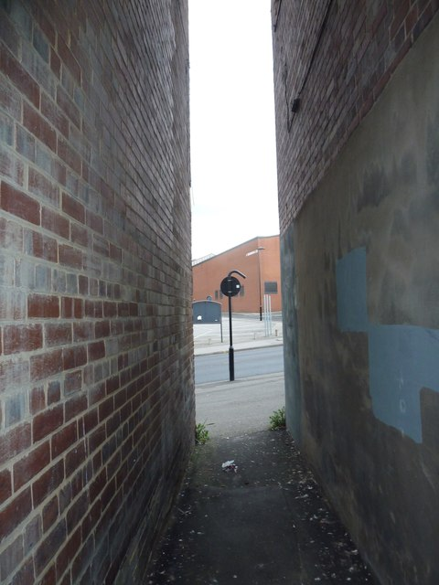 Alleyway leading to the B6539