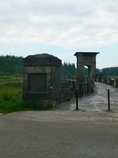 Eastern approach to the Alwen Dam