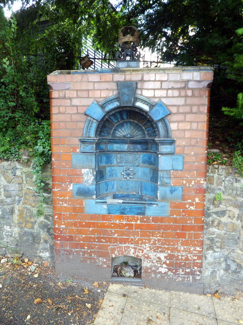 Glazed brick water fountain, Bower Lane, Eynsford